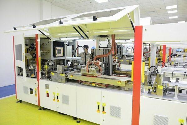 Производственный процесс солнечных панелей полностью автоматизирован.
